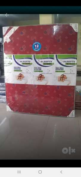 Foam mattress (12manth warnty)