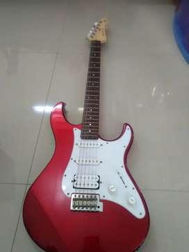 Guitar Yamaha Pasifica 112J + efek VOX Stomlab 2G
