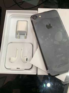 I m selling iphone 7 128gb with bill 6 sellers warranty