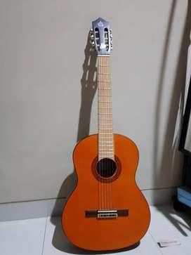Gitar clasic akustik