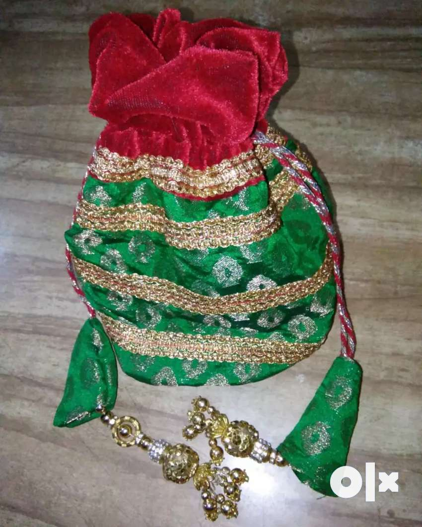 Ladies Batua/Bag 0