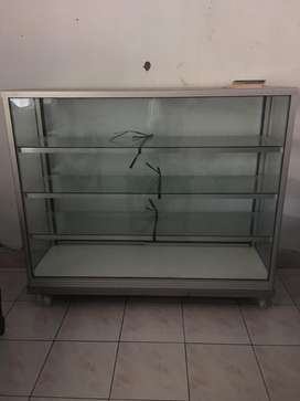 Rak etalase counter