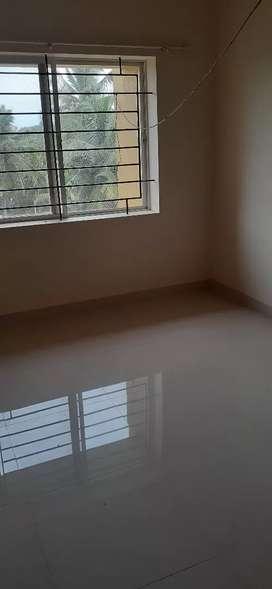 Sale/rent office 3rd floor Abhiman building bunts hostel 16lakhs nego