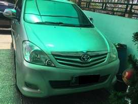 Toyota Innova Diesel 2.5 G MANUAL thn 2010 warna abu2 met
