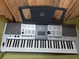 Piano (Musical keyboard)