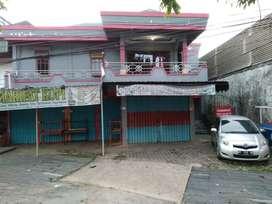 Dijual Cepat BUTUH UANG, Rumah Usaha Pinggir Jalan (Toko & Kos-kosan)