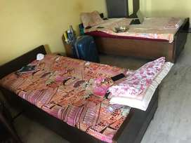 Twin Sharing bed/double bed with box