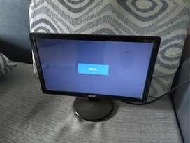 """Acer 16"""" vga monitor"""
