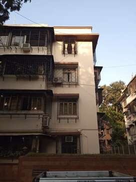 Available spacious 1 room kitchen for sale at Matunga