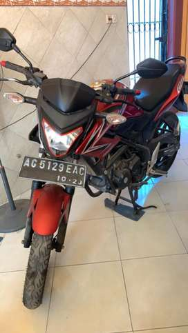 CB 150 R th 2013 warna merah