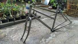 Rangka sepeda raleigh