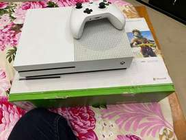 X box one s. 10.10 condition