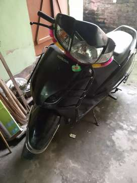 I want to sale my activa