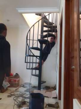 Pemasangan tangga putar
