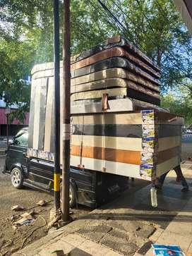 Mobil pindah barang