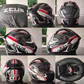 helm zeus 813 ukuran L