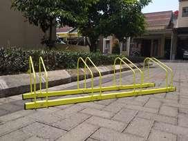 Stand sepeda bike stand parkir sepeda untuk 4 sepeda