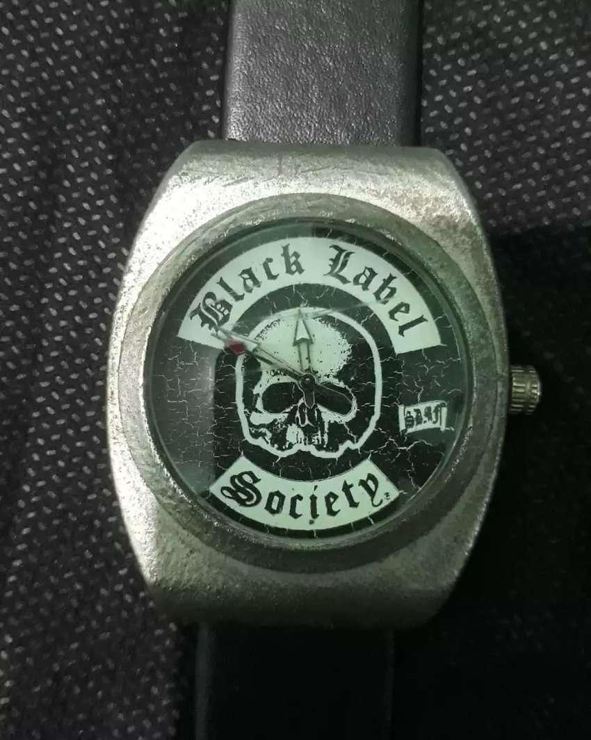 Jam tangan black label society