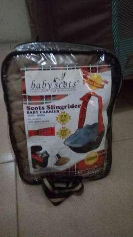 Gendongan baby scoot
