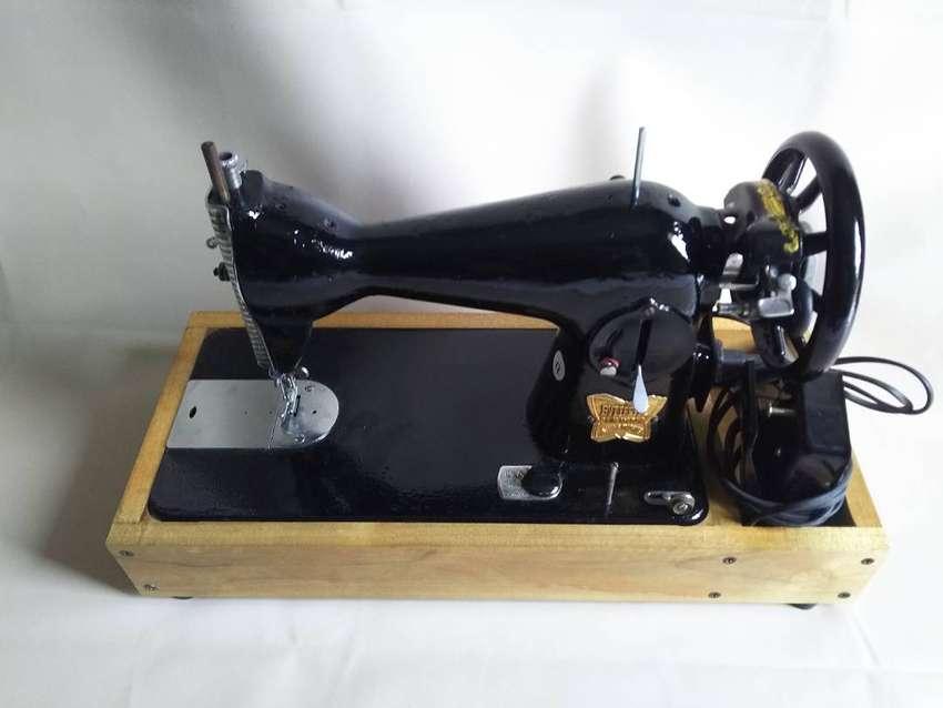 Mesin Jahit Butterfly Bekas Second Hitam Repaint Plus dinamo dan Meja