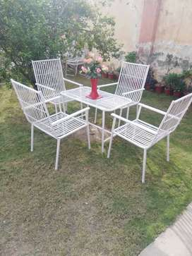 Garden chairs and tables in best condition!