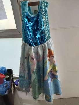 Dress frozen dengan selendang