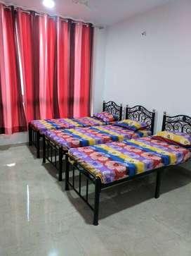 ZERO BROKERAGE Boys PG Accommodation near THE WALK, Hiranandani Estate