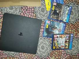 Ps4 slim 1TB great condition