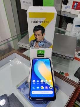 Sky mobiles Realme 7 Pro mobile 6gb ram 128gb ROM memory