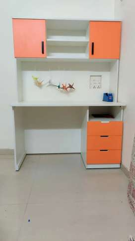 Brand new study table for children 4x6