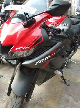 YAMAHA R15 (155cc) with good condition