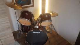 Well maintained Drum set ( 5 Piece  ).