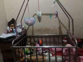 Ranjang box bayi stainlees