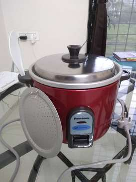 Panasonic Electric Rice Cooker 2.7 L (just 3 months old)