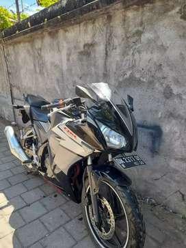 Cbr 150 cc thn 2015 cash /kredit bali dharma motor