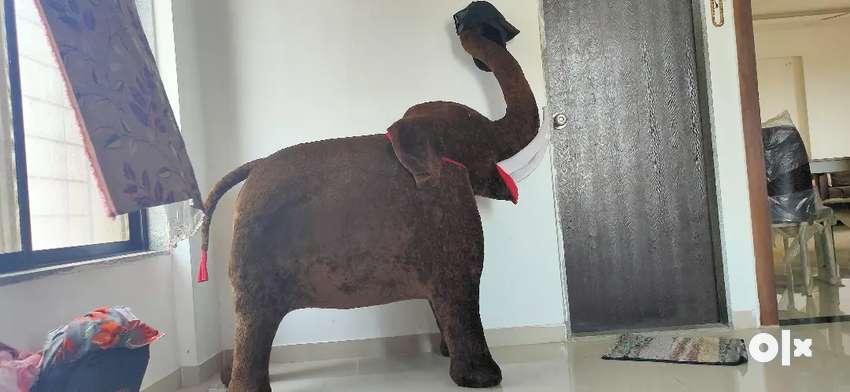 Elephant toy 0