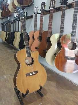 Gitar akustik baru