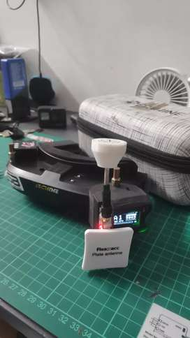 FPV Goggles Eachine EV100 + Diversity pro58
