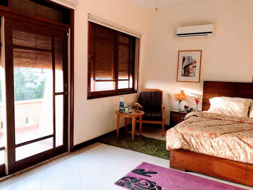 Luxurious Paying Guest PG Furnished Room in DHA  car parking 0