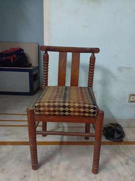 6 chair set each at 850/-