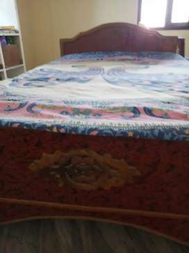 Double cot with matress