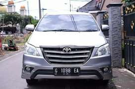 TOYOTA INNOVA V AT 2.0