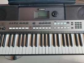 Keyboard musik merk yamaha