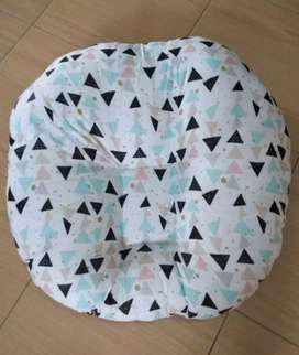 Sofa Baby Motif Segitiga Hitam