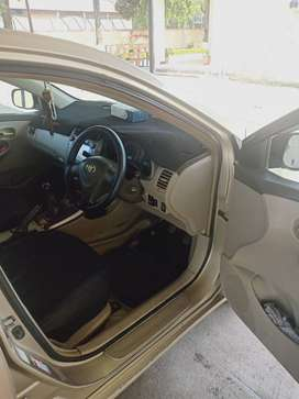 Toyota Corolla Gli 2010, well maintained, Golden colour ,no touch up