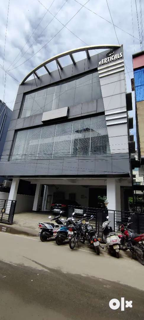 Arumpakkam 100 feet road  s+3 floor commercial building rent