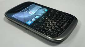 Wonderful condition of blackberry models with all accessories & Box