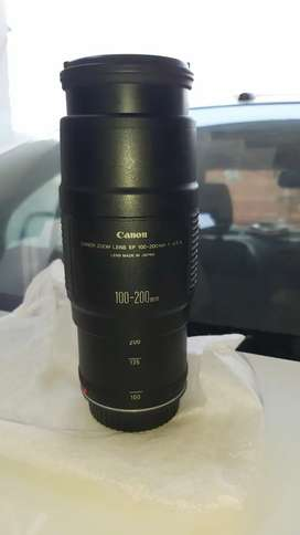 Canon zoom lens EF 100-200mm 1:4.5 A Lens Made In Japan
