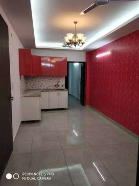 2bhk builder flat in Rajendera park area,sector-105