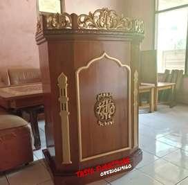 Mimbar podium ukir kayu jati tipe podium